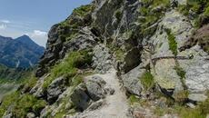 Do przejścia mamy skalny kominek.