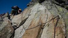 Wspinaczka na szczyt.