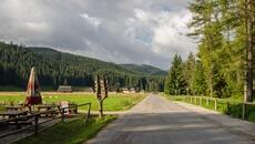 Początek drogi przez Dolinę Chochołowską.
